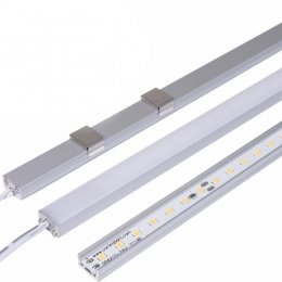Surface mounted linear lamp